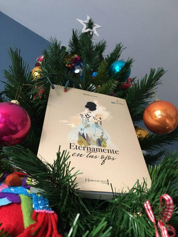 eternamente en tus ojos en el árbol de navidad martha lovera
